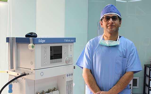 آقای دکتر کامبیز موسوی